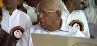 Pro-LTTE Tamil Terrorists Opposition Leader of the Sri Lankan Parliament, R Sampanthan with the Federal Constitution in hand at a Federal State Promotion Event in Northern and Eastern Sri Lanka.