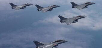 Five Rafale fighter jets arrive in India – to warn China?